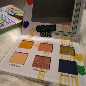 ☘️4/$30☘️ Ipsy Tetris Eyeshadow Palette